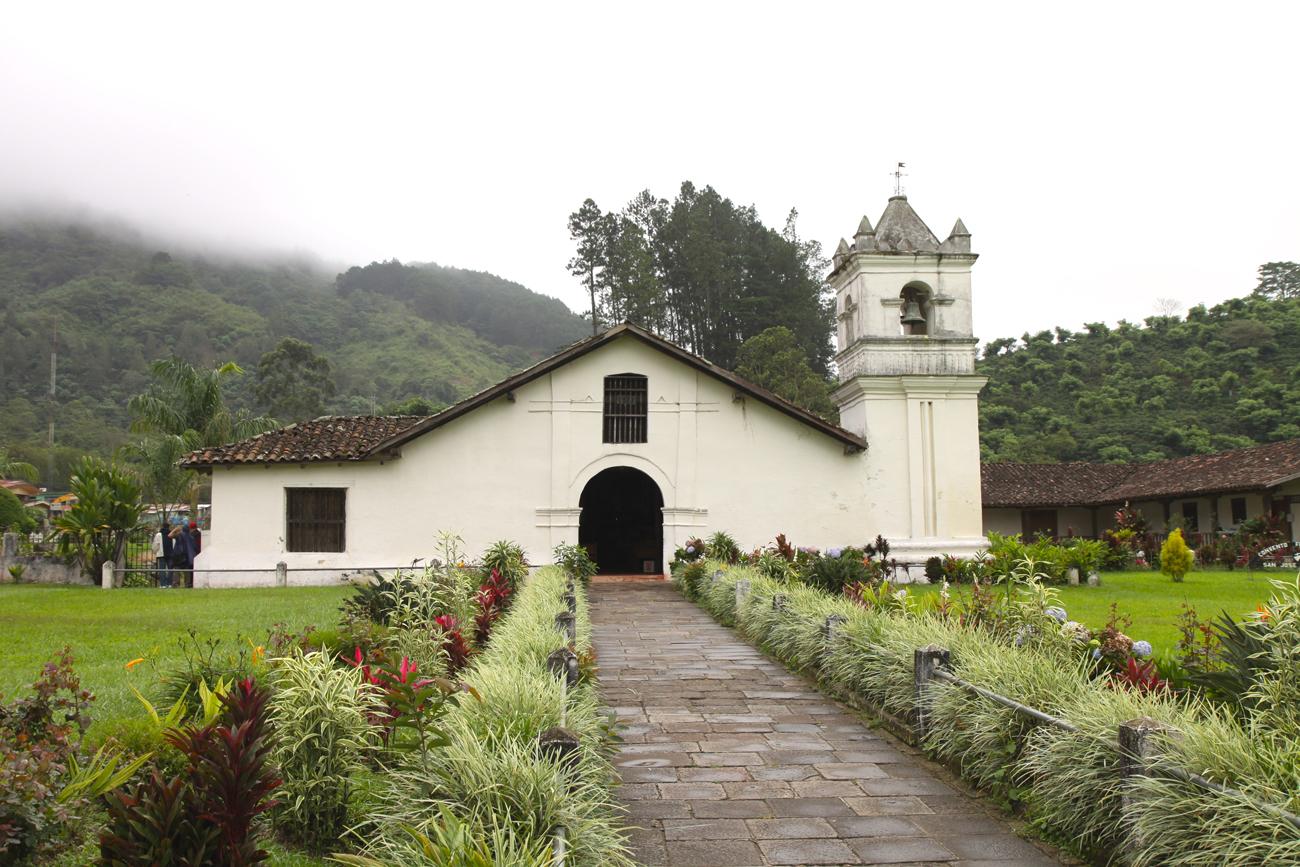 Kirche Orosí