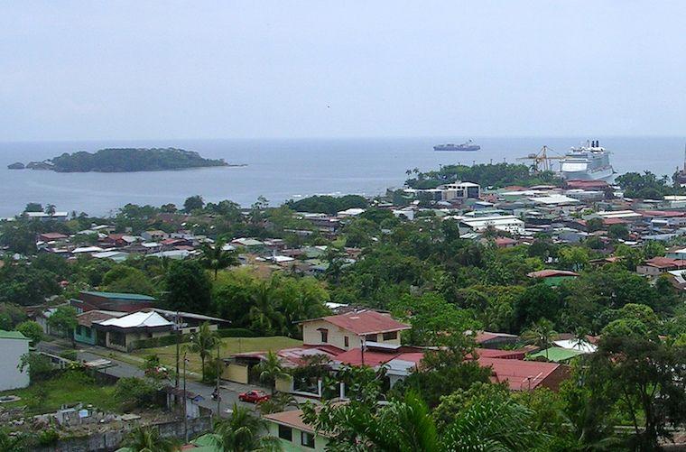 Blick über Puerto Limón in Costa Rica